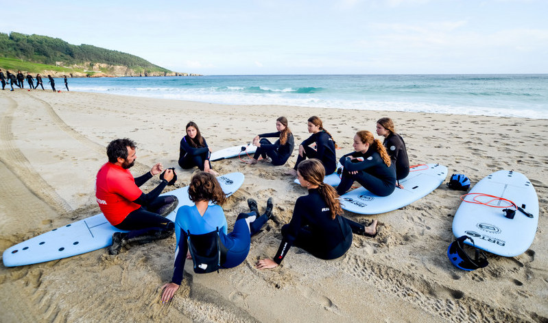 surf-instructions-galicia-teens-surf-camp