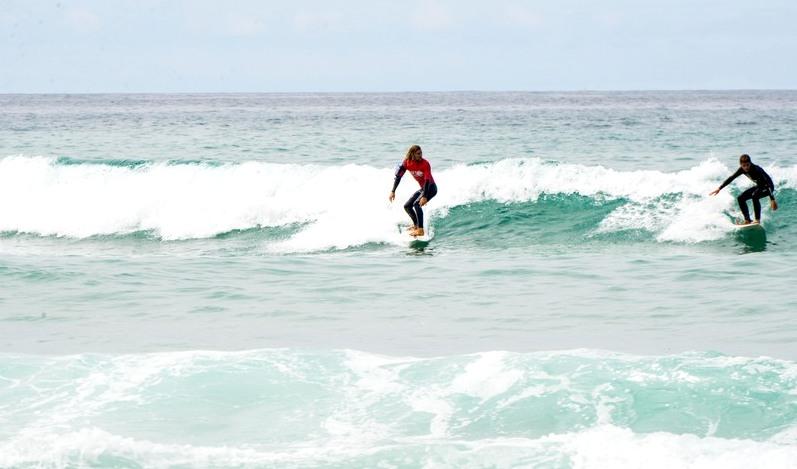 surf-instructor-teaching-galicia-teens-surf-camp