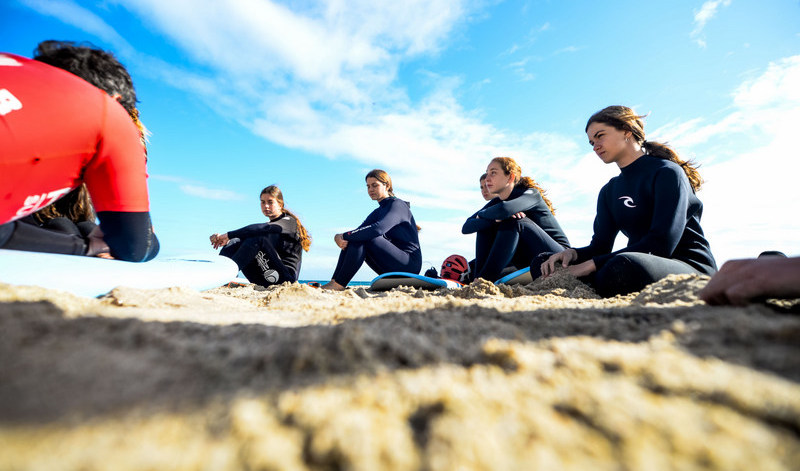 surf-students-on-the-beach-galicia-teens-surf-camp