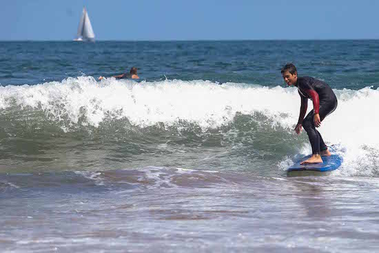 teen-surfing-bilbao-teens-surf-camp