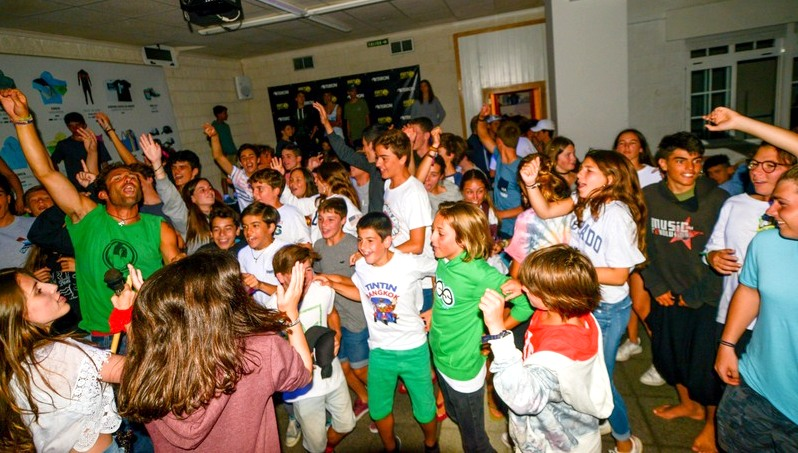 teens-concerts-party-galicia-teens-surf-camp