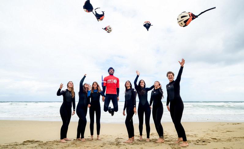 throwing-helmets-galicia-teens-surf-camp