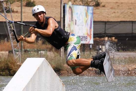wakeboarding-ramp-jump-algarve-kitesurf-camp-1