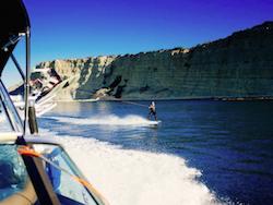 wakeboat-wakeboard-algarve-kitesurf-camp
