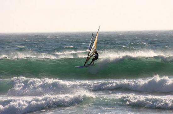 windsurf-wave-riding-algarve-kitesurf-camp