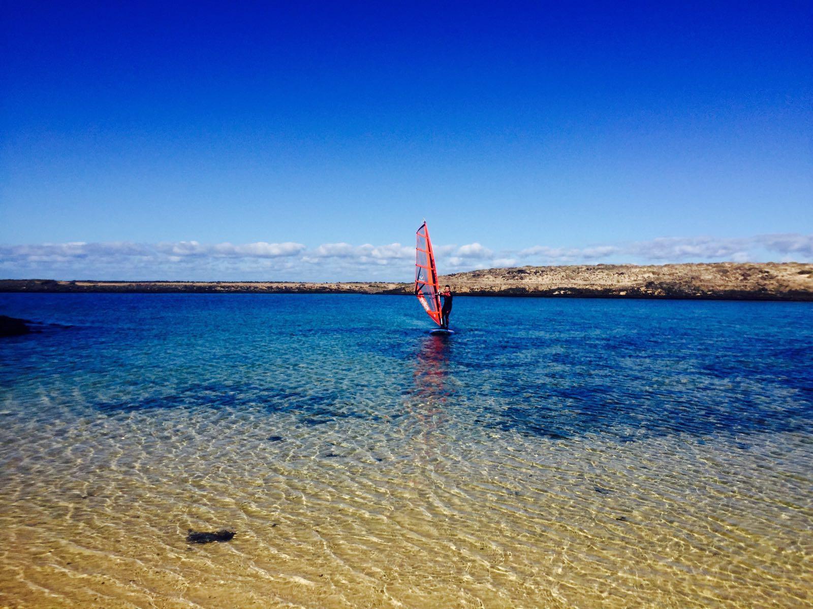lagoons fuerteventura windsurf lesson