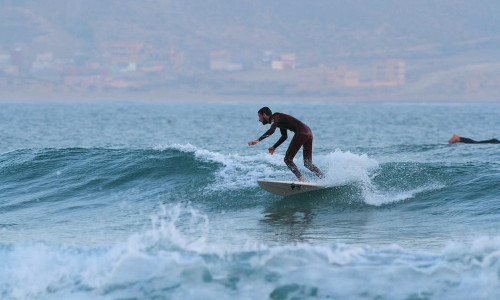 Surfing surfing in Morocco