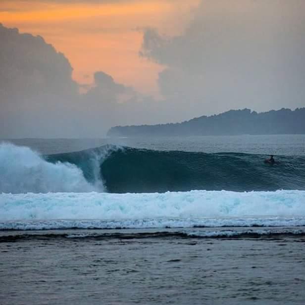 Banyak Surf Resort