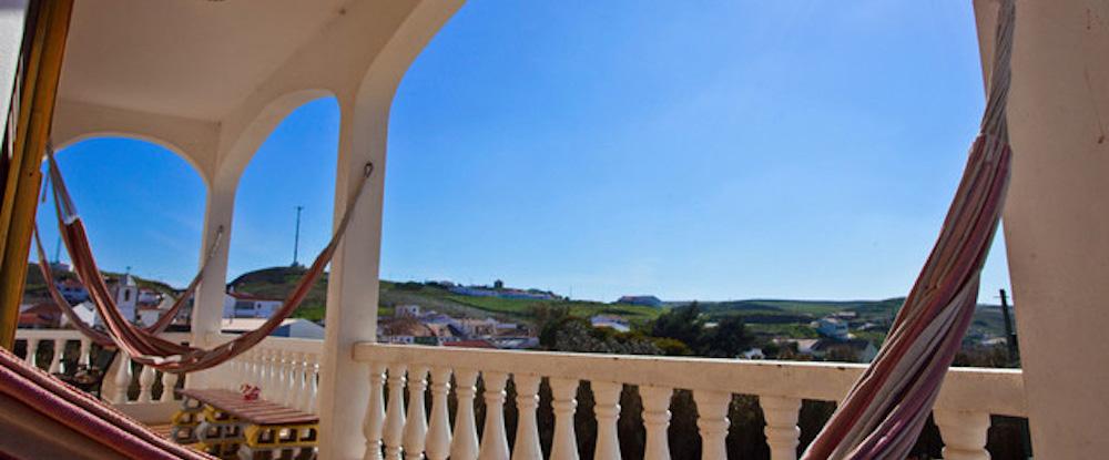 Chilled Raposeira Surf Hostel Sagres Algarve Surf Camps In Portugal