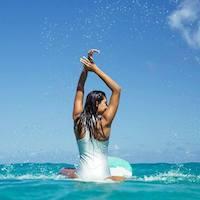 medewi-surfgirl