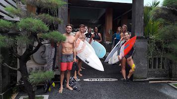 surfers-medewi-guest
