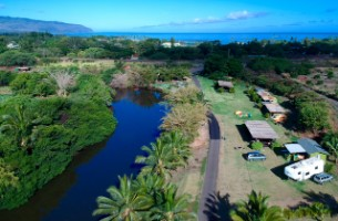 Overview of the surfcamp and the beach