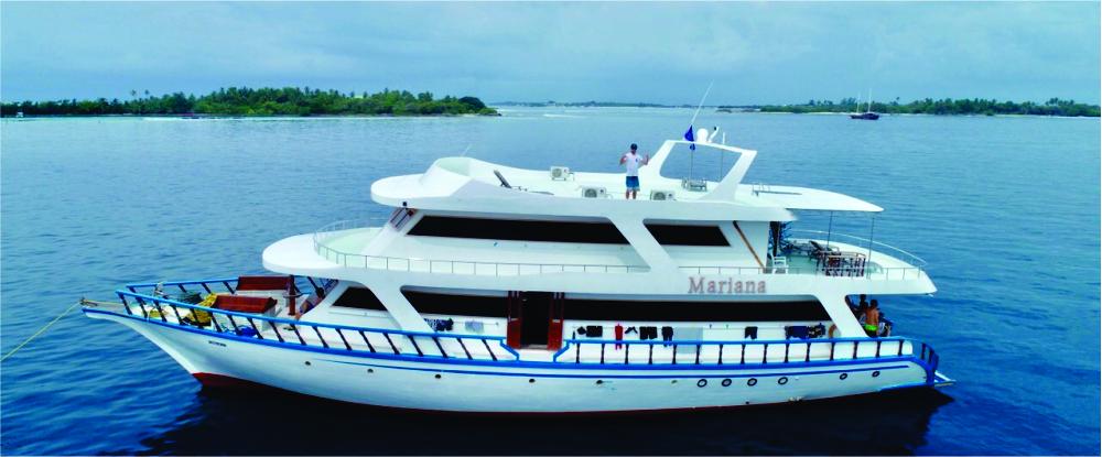 Surf boat charter Maldives