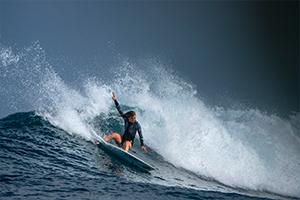 Surf coaching in Madagascar