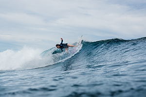 Surf coaching wave