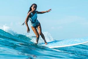surfing-canggu-surfer-bali